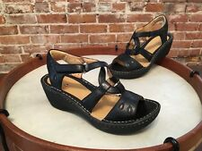Clarks Unstructured Black Leather Embroidered Un Stern Wedge Sandal NEW