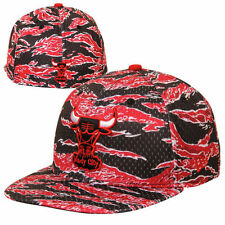 New Era Chicago Bulls Mesh Tiger Fitted Hat - Red - NBA