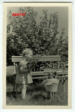 1959 VINTAGE PHOTO LITTLE GIRL w FLOWERS, DOLL´s PRAM & TEDDY BEAR
