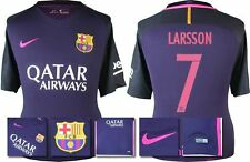 *16 / 17 - NIKE ; BARCELONA AWAY SHIRT SS / LARSSON 7 = KIDS SIZE*