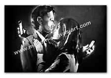 BANKSY MOBILE LOVERS CANVAS PRINT PHONE COUPLE - BLACK AND WHITE ARTWORK
