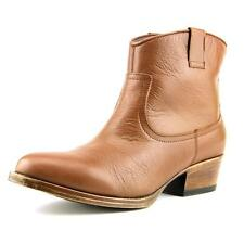 Kenneth Cole Reaction Hot Step Bootie NWOB 5951