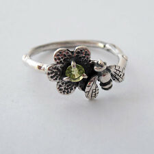 A Cute Sterling Silver Bumblebee Ring with Peridot stone in Flower Israeli