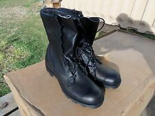 SIZE  8 N SPEED LACE LEATHER COMBAT BOOTS  MILITARY  SURPLUS  NEW OLD STOCK