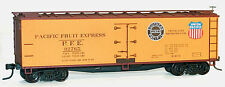 Accurail 48333 HO Pacific Fruit Express 40' Wood Reefer Kit