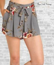 NWT Boutique Umgee Floral Crepe Pleated Shorts - Gray - Small, Medium & Large