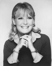 PETULA CLARK SMILING HANDS CLASPED B&W PHOTO OR POSTER