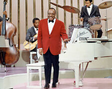 COUNT BASIE BY PAINO ON STAGE COLOR PHOTO OR POSTER