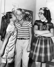 DENNIS THE MENACE CHERYLENE LEE JAY NORTH JEANNIE RUSSELL CHEEK KISS PHOTO OR PO