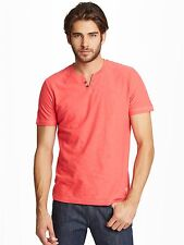 GUESS Men's Ricky Henley Tee