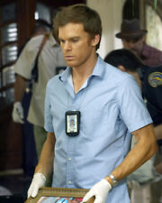MICHAEL C. HALL DEXTER GLOVES POLICE BADGE PHOTO OR POSTER