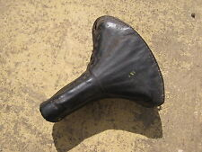 A VINTAGE DOUBLE SPRUNG MIDDLEMORE BICYCLE SADDLE