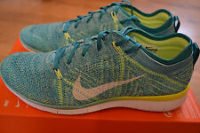 NEW  Womens NIKE FREE TR FLYKNIT 5.0 running trainers.  3.5