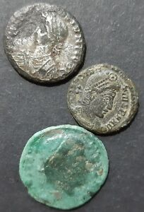 ROMAN BRONZE COINS. LOT OF 3 COINS.