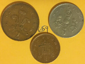 UK /  BRITAIN COINS: QE2 2ND PORTRAIT 1979 PENNY & 5 PENCE 1971 2 PENCE