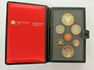CANADA DOUBLE DOLLAR PROOF SET ROYAL CANADIAN MINT 1982