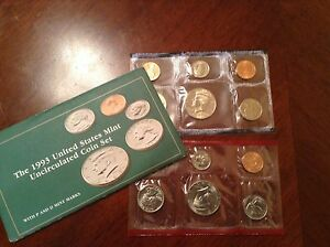 1993 US MINT SET IN ORIGINAL ENVELOPE. COINS ARE IN ORIGINAL MINT CELLO/ENVELOPE