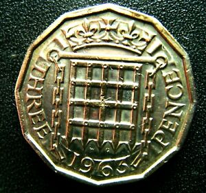1963 QUEEN ELIZABETH 2ND THREEPENCE COIN IN  FINE GRADE
