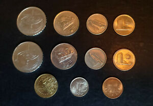 WORLD COINS   MALAYSIA   LOT OF 11 COINS MULTIPLE YEARS AND CONDITIONS.
