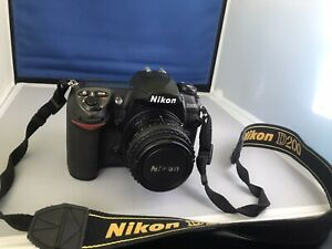 NIKON D D200 10.2MP DIGITAL SLR CAMERA   BLACK 50MM FIXED LENS