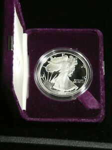 1989 SILVER EAGLE PROOF ULTRA CAMEO SUPERB LUSTER WITH US MINT BOX/COA TY27
