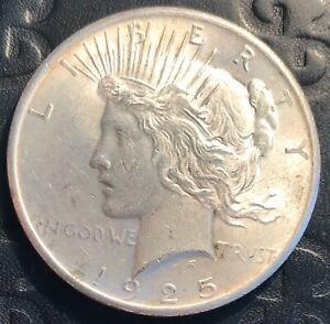 1925 SILVER UNITED STATES $1 PEACE DOLLAR COIN PHILADELPHIA MINT ABOUT UNC.
