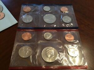 1994 US MINT SET IN ORIGINAL ENVELOPE. COINS ARE IN ORIGINAL MINT CELLO/ENVELOPE