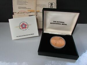 1776 1976 GOLD PLATED NATIONAL BICENTENNIAL MEDAL BY THE U.S. GOVERNMENT