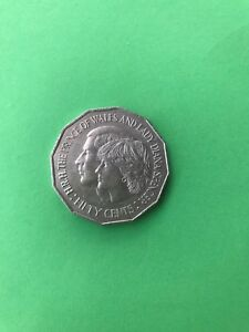 1981 ROYALS UNCIRCULATED AUSTRALIAN FIFTY CENT COIN CHARLES & DIANA 50C PIECE