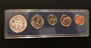 1966 US SPECIAL MINT SET    BRILLIANT UNC   WITH THE KENNEDY SILVER HALF DOLLAR
