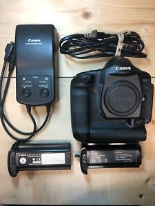 CANON EOS 1DS MARK II 16.7MP DIGITAL SLR CAMERA   BLACK  LESS THAN 11 000 SHOTS