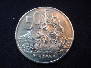 NEW ZEALAND 1974 50 CENT COIN KM 37.1 UNCIRCULATED.