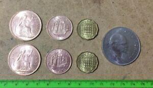 SET OF 7 ENGLISH OLD COINS   HALF ONE AND THREE PENCE  1967    CHURCHILL  1965