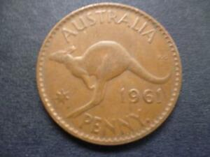 AUSTRALIA ONE PENNY COIN 1961 IN GOOD USED CONDITION BRONZE FEATURES KANGAROO