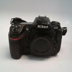 NIKON D300 12.3MP DSLR CAMERA 3957  BODY ONLY  C82719