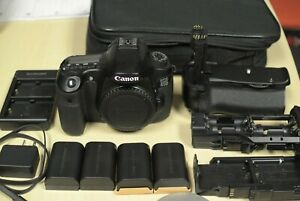 CANON EOS 60D DSLR CAMERA  BODY ONLY  WITH ONLY 8.5K SHUTTER COUNT   EXTRAS