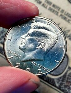 CLAD FROM MINT SET 1992P KENNEDY HALF DOLLAR NICE UNC COIN PL MIRRORS CELLO