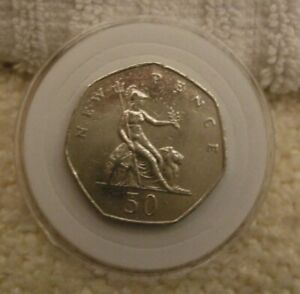 ELIZABETH II COIN   50 PENCE STANDARD COIN    1980   IN CASE   USED CONDITION