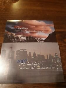 EXCELLENT 2007 P & D UNITED STATES MINT UNCIRCULATED COIN SET W/COA