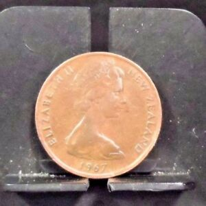 CIRCULATED 1967 2 CENTS NEW ZEALAND COIN  120217 1