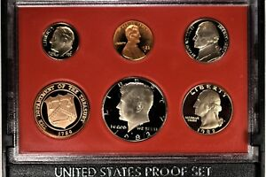 1982 S US MINT PROOF SET COMPLETE WITH OUTER SLEEVE 1223