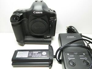 EXCELLENT CANON EOS 1D MARK II 8.2MP DIGITAL SLR CAMERA  BODY ONLY    BLACK
