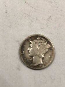 1941 MERCURY DIME IN GOOD CONDITION. 90  SILVER.
