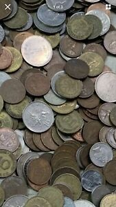 MIXED BULK LOT OF 25 ASSORTED WORLD/FOREIGN COINS  . PIZZA MONEY 4 COLLEGE KID