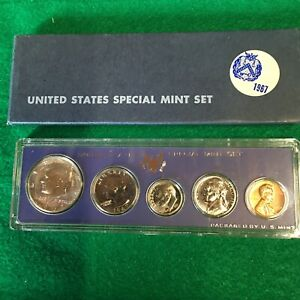 1967 SPECIAL MINT SET  1  IN OGP LENSE AND BOX