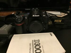 NIKON D D300 12.3MP DIGITAL SLR CAMERA   BLACK  BODY ONLY  8790 CLICKS