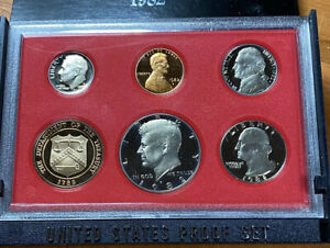 1982 S PROOF SET ISSUED BY US MINT
