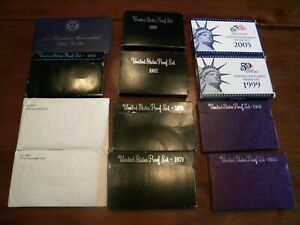 US MINT SET ASSORTED YEARS WITH 1971 EISENHOWER UNCIRCULATED SILVER DOLLAR SET