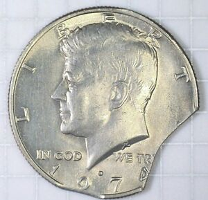 1974 D KENNEDY CLAD HALF DOLLAR DOUBLE CURVE CLIPS ERROR COIN.
