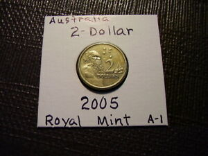 $2  AUSTRALIA FROM ROYAL MINT     2005     GOLD COLOR   LOT A1